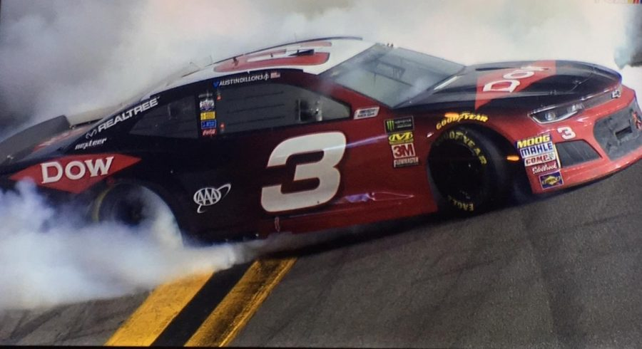 Dillon+burns+out+on+frontstretch+after+winning+the+Daytona+500.%0A