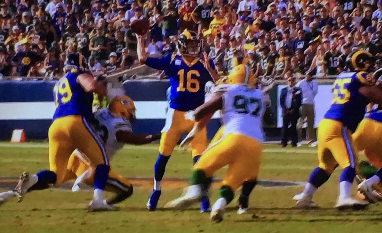 Jared Goff makes a pass against the Green Bay Packers.