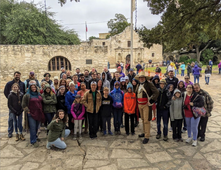 A huge group of over 60 iUniversity Prep members at the Alamo!