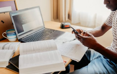 HOW IS COVID-19 AFFECTING ONLINE STUDENTS