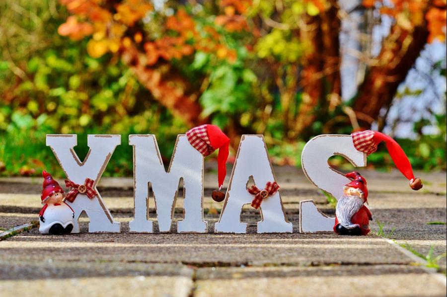 https://pixabay.com/en/christmas-festival-advent-lettering-1037142/
