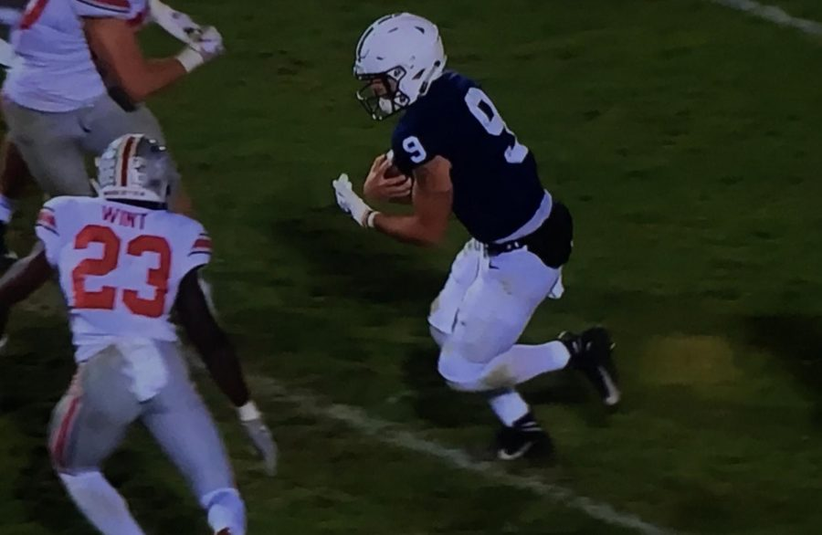 Trace McSorley runs the ball against Ohio State